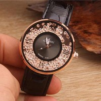 Fashion diamond-studded watch