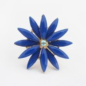 Small pure and fresh and double flower ring