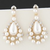 Fashion pearl earrings